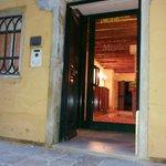 porta de um dos anexos do Hotel Messner