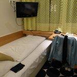 chambre single espace bureau-couchage (confortable)