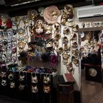 Impression of the mask shop - everything is hand-made in Venice