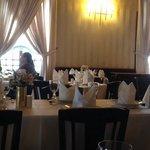 Super agradável! Ambiente refinado,atendimento excelente, comida maravilhosa. O preço é meio sa
