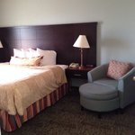 King bed and comfy seating room 412