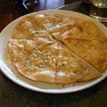 yummy garlic pizza