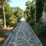Διάδρομος μεταξύ bungalows
