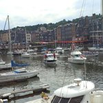 Le Vieux Bassin et le quai Sainte Catherine depuis le quai Saint-Etienne