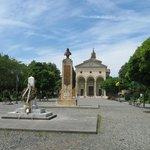 Vada piazza Garibaldi.