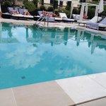 La piscine signée Karl Lagerfeld