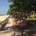 Пляж у отеля
