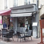 A good two room restaurant in Bayeux