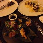 Tataki de atún, pulpo al curry y sashimi combinado