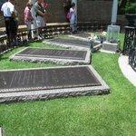 Elvis' gravesite.