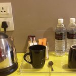 Kettle, cups & mineral water provided.