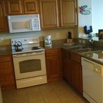 I loved this lil kitchen!!!