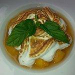 Dessert : pêche et meringue italienne (trop bon)