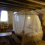 stone roomです