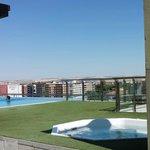 Le toit terrasse avec la piscine