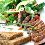 Aged Steak with Salad and Prego Sauce