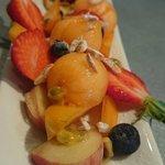 Barque de fruits frais et son sorbet