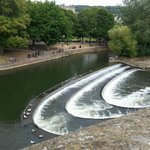 The weir in front of Pulteney Bridge