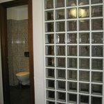 Ванная комната вид из спальни