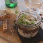Entrée : oeufs cocotte cèpes foie gras, mouillettes au lard