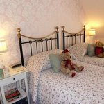 Holly End twin room