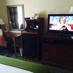 Tv Entertainment / Desk area