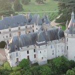 Survol du château de Chaumont sur Loire