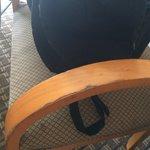 אלה לא הרהיטים שציפינו להם במלון 5*