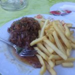 Rump steak with onions and fries