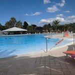 bellissima e immensa la piscina