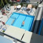 Widok z balkonu na basen