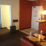 2 Bedroom Suite - Entryway