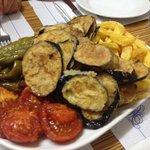 Légumes frais et frites maison