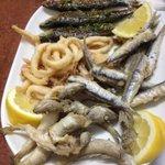Tapas de différents poissons