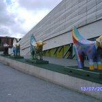 Superlambananas otside the Museum