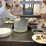 Der Blick in die Küche steht für Offenheit und Ehrlichkeit