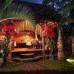 Garden Table evening Cafe Wayan