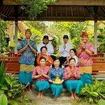 Cafe Wayan group staff