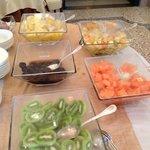 freash fruit, breakfast