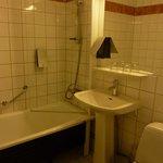 la salle de bain (peut mieux faire)