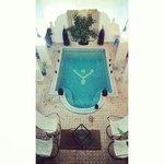 Le patio et sa piscine
