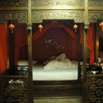 Beautiful Traditional Chinese Bed