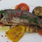 Trout with quince sauce and vegetables