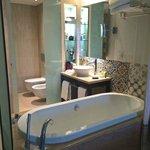 Vilamoura Hilton bathroom