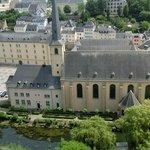 Blick von den Kasematten auf die Abtei
