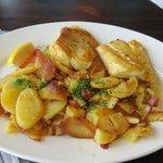 Dorsch mit Bratkartoffeln