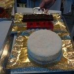 Flan de Coco, y tarta de chocolate, de queso...