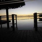 lever de soleil depuis terrasse bungalow