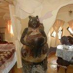 Медведь в номере!