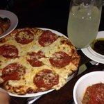 Delicious pizza & the meatballs were exquisite